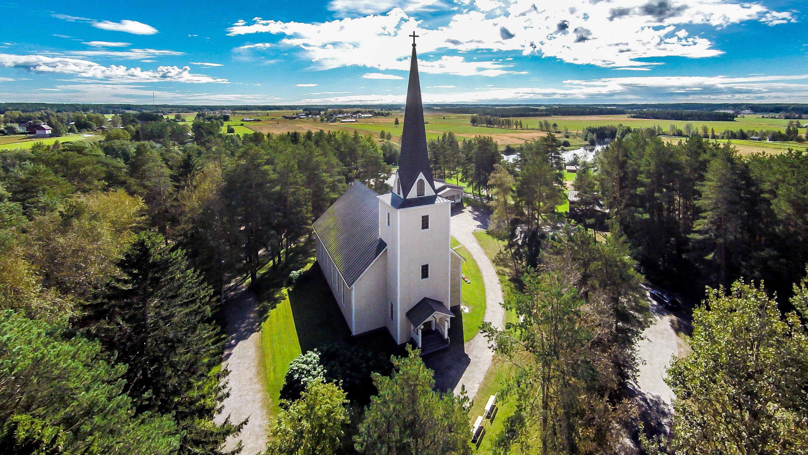 Tiistenjoen kyläkirkko